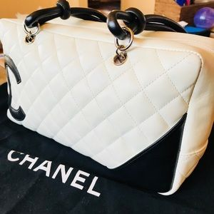 💯% AUTHENTIC Chanel luxury white bowling bag